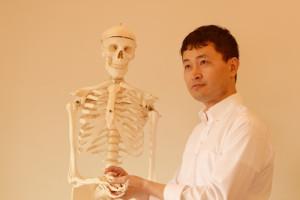 骨格模型ヘンリーくんと、いちろーたの写真